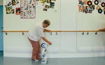 Zora, el robot que cuida ancianos