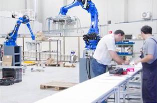 Hurtado Rivas presenta un robot para la fábrica de calzado