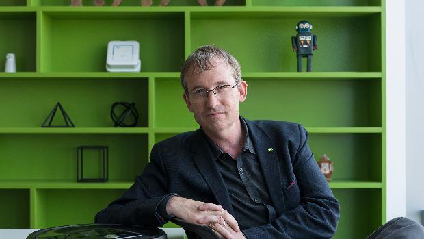 Colin Angle, fundador de iRobot: «Los robots deberían de ser más colaborativos, afectivos y saber escuchar a sus dueños»