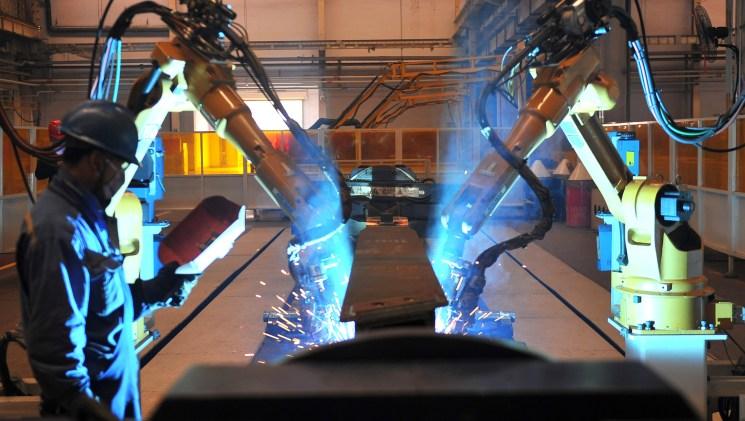 ¿Han aterrizado los robots a los gansos voladores? Automatización y deslocalización en el sector manufacturero