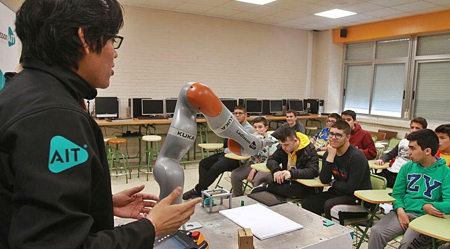 Kuka abrirá en Porto do Molle un centro de formación en robótica
