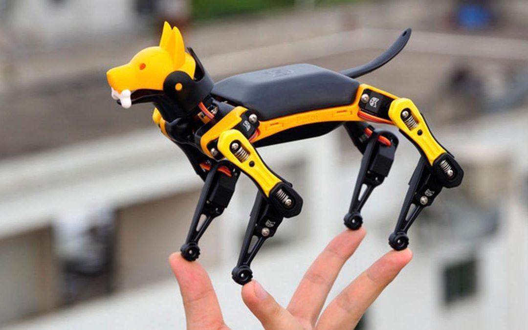 Este perro robot programable es capaz de caminar y hacer piruetas con solo unas pocas líneas de código
