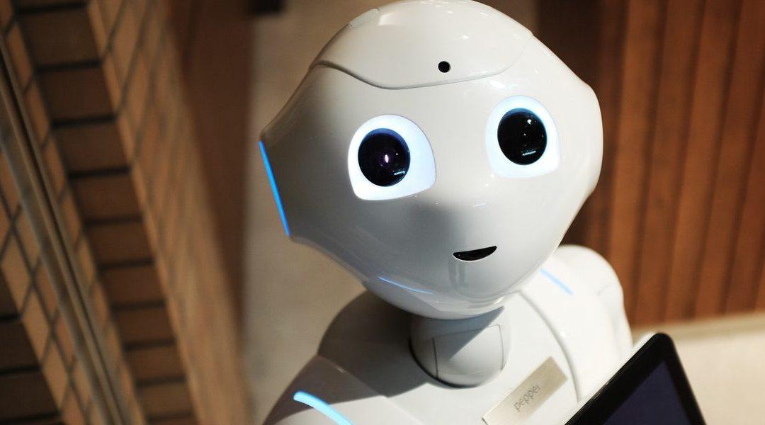 Robot desarrollado por Duoc UC apoyará atención de pacientes en centros de salud pública