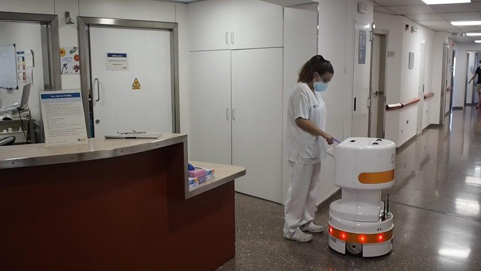 PAL Robotics desarrolla dos robots móviles para optimizar la logística hospitalaria