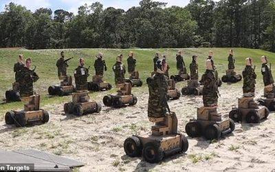 Los Infantes de Marina de los EE. UU. Disparan contra Robots Autónomos.