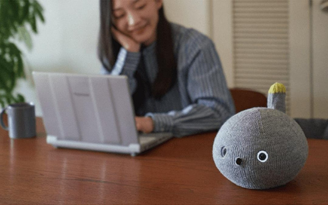Nikobo, el robot blando de Panasonic para hacerte compañía mientras teletrabajas o estudias