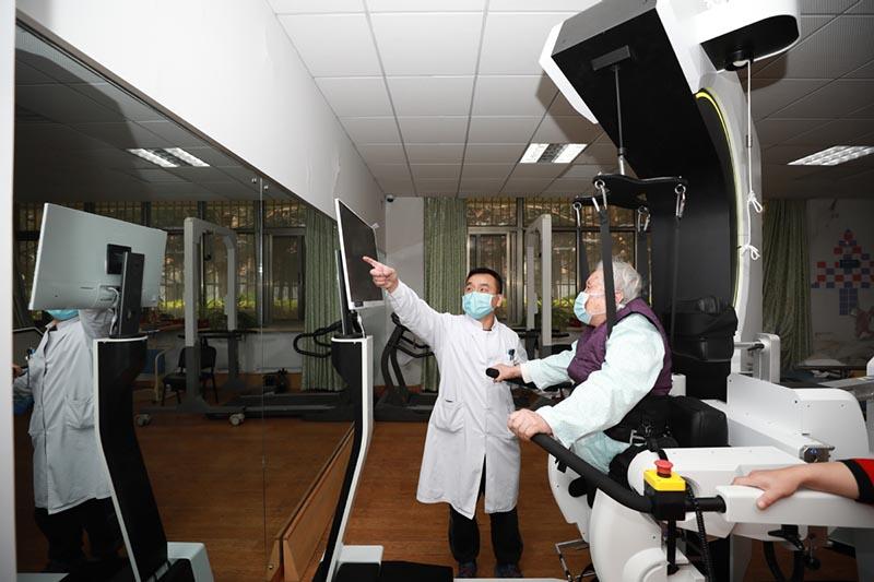 Un robot de rehabilitación ayuda a los pacientes a recuperarse
