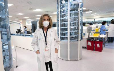 La inteligencia artificial y los robots refuerzan el liderazgo de la medicina de laboratorio