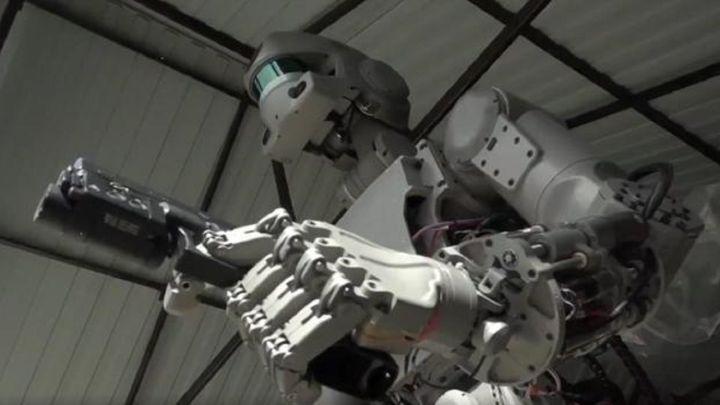 Rusia ya produce en serie unos robots de combate con inteligencia artificial
