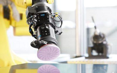 Herramientas SCHUNK para el acabado de superficies asistido por robot
