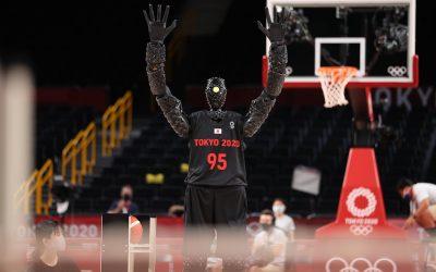 Hay una nueva estrella del baloncesto olímpico, y es un robot
