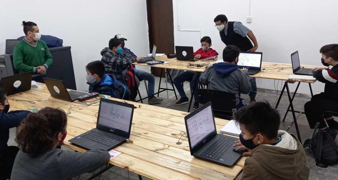 Robótica para estudiantes de primaria y secundaria en Libertador San Martín, Argentina