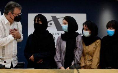 Las «Soñadoras afganas», el equipo adolescente de robótica que recibió asilo en México