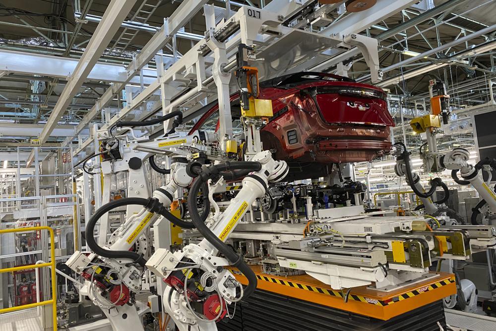 Los robots inteligentes hacen todo el trabajo en la planta 'inteligente' de Nissan